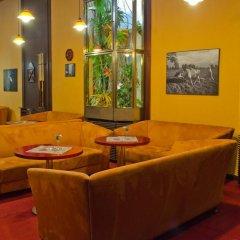 Отель Atlantic Hotel Чехия, Прага - 11 отзывов об отеле, цены и фото номеров - забронировать отель Atlantic Hotel онлайн интерьер отеля фото 3