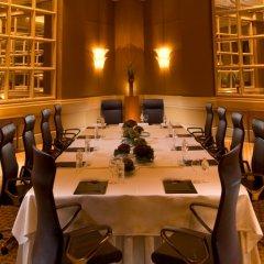 Отель Conrad Centennial Singapore Сингапур, Сингапур - 1 отзыв об отеле, цены и фото номеров - забронировать отель Conrad Centennial Singapore онлайн спортивное сооружение