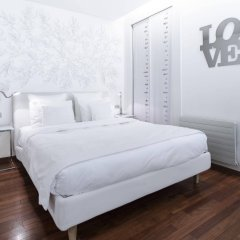 Отель La Cour Des Augustins Boutique Gallery Design Hotel Швейцария, Женева - отзывы, цены и фото номеров - забронировать отель La Cour Des Augustins Boutique Gallery Design Hotel онлайн комната для гостей фото 2