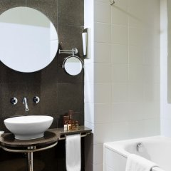 Отель Sheraton Tirana Тирана ванная