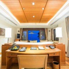 Отель Trisara Villas & Residences Phuket удобства в номере