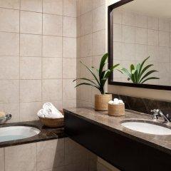 Отель Vouliagmeni Suites ванная