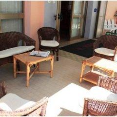 Hotel Mora Римини бассейн