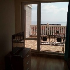 Апартаменты ROEL Residence Apartments комната для гостей фото 3
