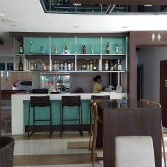 Отель April Suites Pattaya Паттайя гостиничный бар