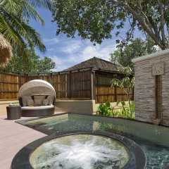 Отель Banyan Tree Vabbinfaru Мальдивы, Остров Гасфинолу - отзывы, цены и фото номеров - забронировать отель Banyan Tree Vabbinfaru онлайн бассейн фото 3