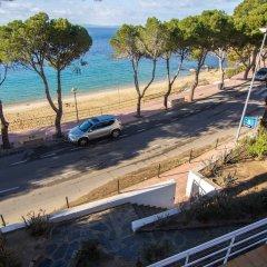 Отель Agi Marina Apartments Испания, Курорт Росес - отзывы, цены и фото номеров - забронировать отель Agi Marina Apartments онлайн пляж фото 3
