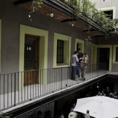 Отель Downtown Beds - Hostel Мексика, Мехико - отзывы, цены и фото номеров - забронировать отель Downtown Beds - Hostel онлайн балкон