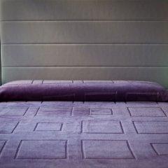 Отель Nest Style Granada сейф в номере