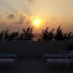 Отель Maakanaa Lodge Мальдивы, Мале - отзывы, цены и фото номеров - забронировать отель Maakanaa Lodge онлайн бассейн