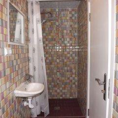Отель Holiday Hostel Армения, Ереван - 1 отзыв об отеле, цены и фото номеров - забронировать отель Holiday Hostel онлайн ванная фото 2