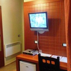 City Hotel Tirana удобства в номере фото 2
