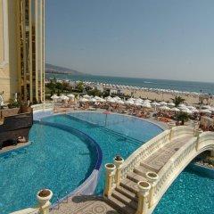 Victoria Palace Beach Hotel бассейн