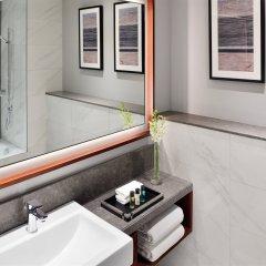 Отель Mövenpick Hotel Bur Dubai ОАЭ, Дубай - отзывы, цены и фото номеров - забронировать отель Mövenpick Hotel Bur Dubai онлайн ванная