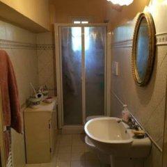 Отель Casa Vacanze Famiglia Cianchi Лари ванная