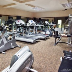 Отель Crowne Plaza Cleveland South-Independence фитнесс-зал