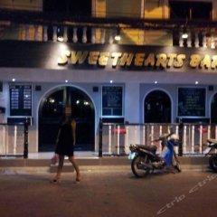 Отель Sweethearts Bar вид на фасад