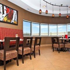Отель Best Western Premier Freeport Inn Calgary Airport Канада, Калгари - отзывы, цены и фото номеров - забронировать отель Best Western Premier Freeport Inn Calgary Airport онлайн питание фото 2