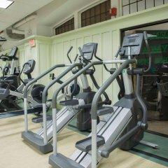 Отель Green Point YMCA фитнесс-зал фото 2