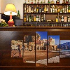 Отель Holiday House Le Palme гостиничный бар