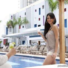 Отель RIU Plaza Panama бассейн