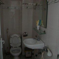 Отель Hoang Dai Guest House Вьетнам, Хошимин - отзывы, цены и фото номеров - забронировать отель Hoang Dai Guest House онлайн ванная