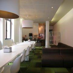 Отель Alma Grand Place Брюссель гостиничный бар