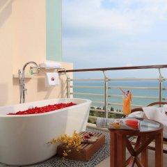 Отель Grand Soluxe Hotel & Resort, Sanya Китай, Санья - отзывы, цены и фото номеров - забронировать отель Grand Soluxe Hotel & Resort, Sanya онлайн балкон