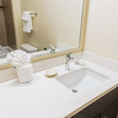 Отель Candlewood Suites Virginia Beach/Norfolk ванная