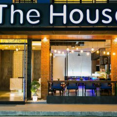 Отель The House Patong бассейн