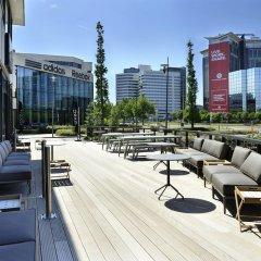 Отель Courtyard by Marriott Amsterdam Arena Atlas Нидерланды, Амстердам - 1 отзыв об отеле, цены и фото номеров - забронировать отель Courtyard by Marriott Amsterdam Arena Atlas онлайн бассейн фото 3