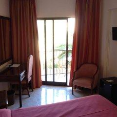 Отель Amoros комната для гостей фото 2