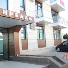 Апартаменты Apartment on Kamyshovaya 41, apt 18 парковка