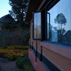 Отель Dhulikhel Mountain Resort Непал, Дхуликхел - отзывы, цены и фото номеров - забронировать отель Dhulikhel Mountain Resort онлайн балкон