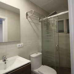 Отель Apartamento 2178 - Les Palmeres 5-2 Испания, Курорт Росес - отзывы, цены и фото номеров - забронировать отель Apartamento 2178 - Les Palmeres 5-2 онлайн ванная