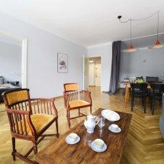 Отель Designers Apartment In The Old Town Польша, Варшава - отзывы, цены и фото номеров - забронировать отель Designers Apartment In The Old Town онлайн комната для гостей фото 2