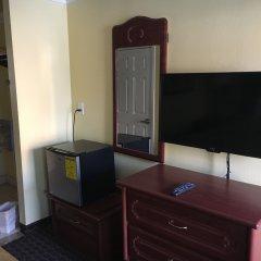Отель Americas Best Value Inn-South Gate Downey США, Южные ворота - отзывы, цены и фото номеров - забронировать отель Americas Best Value Inn-South Gate Downey онлайн удобства в номере