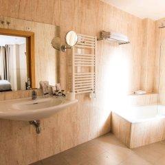 Отель Suites Feria de Madrid ванная