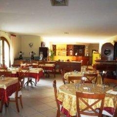 Отель Albergo Le Piante Манерба-дель-Гарда питание фото 3
