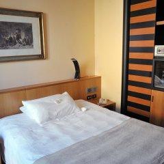 Santa Barbara Hotel Сан-Донато-Миланезе сейф в номере