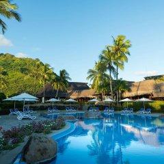 Отель Hilton Moorea Lagoon Resort and Spa Французская Полинезия, Муреа - отзывы, цены и фото номеров - забронировать отель Hilton Moorea Lagoon Resort and Spa онлайн бассейн фото 2
