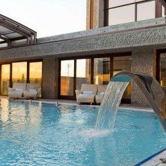 Отель Hilton Madrid Airport бассейн