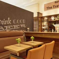 Отель Holiday Inn Brussels Schuman гостиничный бар