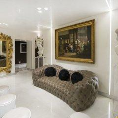 Отель Maison Torre Argentina Рим комната для гостей