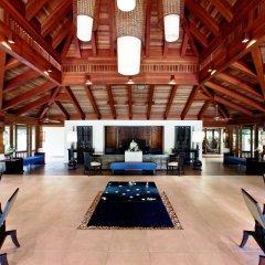 Отель Sheraton Maldives Full Moon Resort & Spa Мальдивы, Остров Фуранафуши - отзывы, цены и фото номеров - забронировать отель Sheraton Maldives Full Moon Resort & Spa онлайн интерьер отеля фото 3