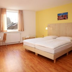 Отель A&O Berlin Friedrichshain комната для гостей фото 2
