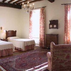Hotel Casona El Arral сейф в номере