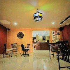 Отель Waratee Spa Resort Villa гостиничный бар