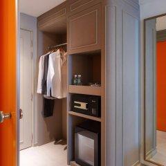 Отель ibis Styles Bangkok Khaosan Viengtai сейф в номере
