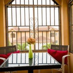 Отель Sparkle Luxury Ямайка, Кингстон - отзывы, цены и фото номеров - забронировать отель Sparkle Luxury онлайн интерьер отеля